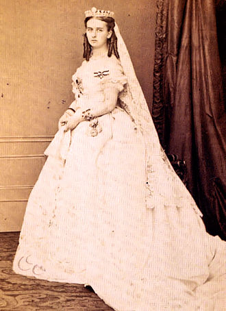 Order of Louise - Maria, Prinzessin von Hohenzollern-Sigmaringen, Duchess of Flanders, wearing the Order of Louise