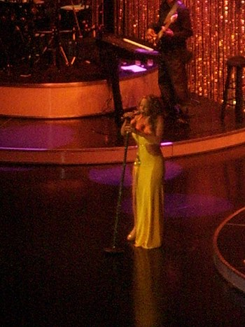 Mariah Carey in August 2006 2.jpg
