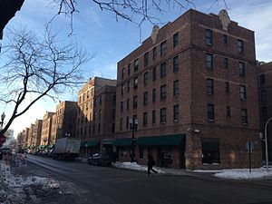 Marshall Field Garden Apartments - Looking south on Sedgwick Street at Blackhawk Street