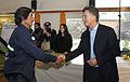 Mauricio Macri encabezó la adjudicación de rutas a cooperativas de recuperadores urbanos (7797603584).jpg