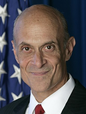 United States Secretary of Homeland Security - Image: Michael Chertoff, official DHS photo portrait, 2007 (cropped)