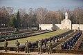 Ministru prezidents Valdis Dombrovskis piedalās svinīgajā vainagu nolikšanas ceremonijā Rīgas Brāļu kapos (6334373206).jpg