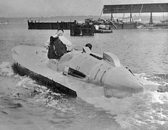 Hubert Scott-Paine - Hubert Scott-Paine testing Miss Britain III before the 1933 Harmsworth Trophy attempt