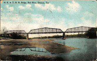 Missouri–Kansas–Texas Railroad - Missouri-Kansas-Texas Railroad bridge over Red River (postcard, c. 1911)