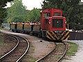 Mk48 403 Szalajka-Fatelep állomáson teli személyvonattal indulás előtt.JPG