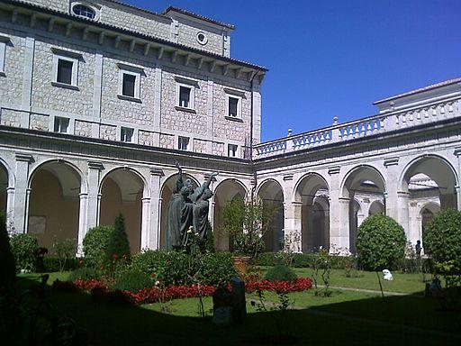 Montecassino Primo chiostro