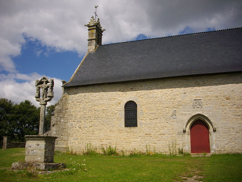 Chapel and calvary of Mangolérian in Monterblanc (Morbihan, France)