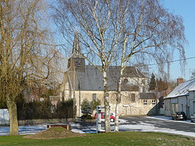 La place du village et l'église
