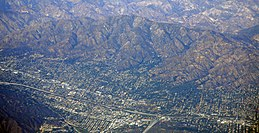 mt.  Lukens affacciato su La Crescenta-Montrose.jpg