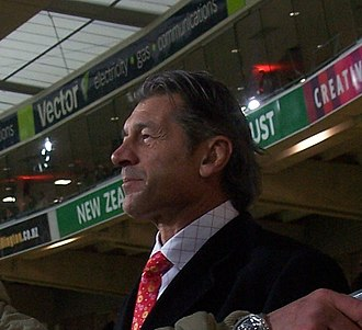 Murray Mexted - Mexted talking to a fan at the Westpac Stadium