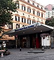 Napoli - stazione di Piazza Amedeo - ingresso.jpg