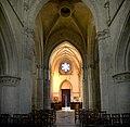 Nef depuis le choeur de l'église Saint-Sauveur de Beaumont-en-Auge.jpg