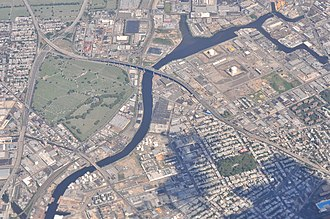 Newtown Creek - Aerial photograph of Newtown Creek (2013). View looking east.