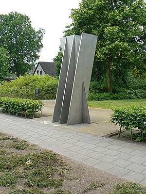 Nieuwlande - Sculpture/memorial Verzetsmonument (1985) by Paul Hulskamp in Nieuwlande