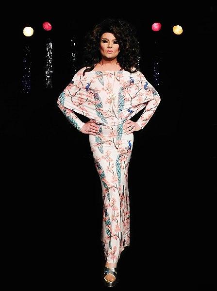 File:Nina queer 2018 foto michael rädel.jpg