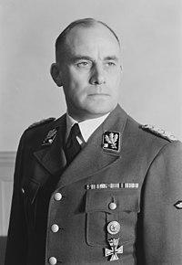 No-nb digifoto 20170925 00019 NB HS P 00096 Reichskommissariat Norwegen, General der Polizei Rediess (Henriksen & Steen, 1941 - Nasjonalbiblioteket, Oslo) cropped.jpg
