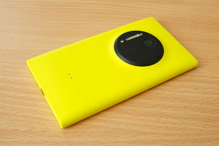 The Nokia Lumia 1020, which runs Windows Phone, By Kārlis Dambrāns from Latvia (Nokia Lumia 1020) [CC-BY-2.0 (http://creativecommons.org/licenses/by/2.0)], via Wikimedia Commons