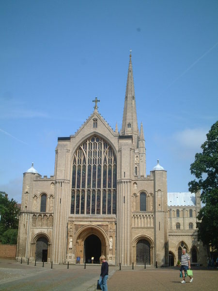 File:Norwich Protestant Cathedral.JPG