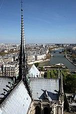 Notre-dame-paris-top-facing-east.jpg