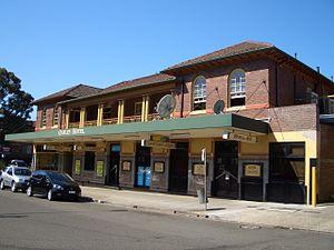 Oatley, New South Wales - Oatley Hotel on Oatley Avenue