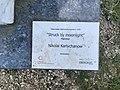 Oberursel, Lomonossow-Park, Skulptur Struck by moonlight, Tafel.jpg