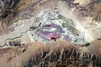 Owens Lake - This astronaut photograph highlights the mostly dry bed of Owens Lake.