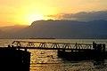 Pôr do Sol em um píer de Ilhabela.jpg