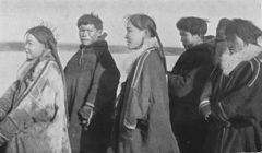 P149a Men and women of the Yuraks and Yenisei Samoyedes.jpg