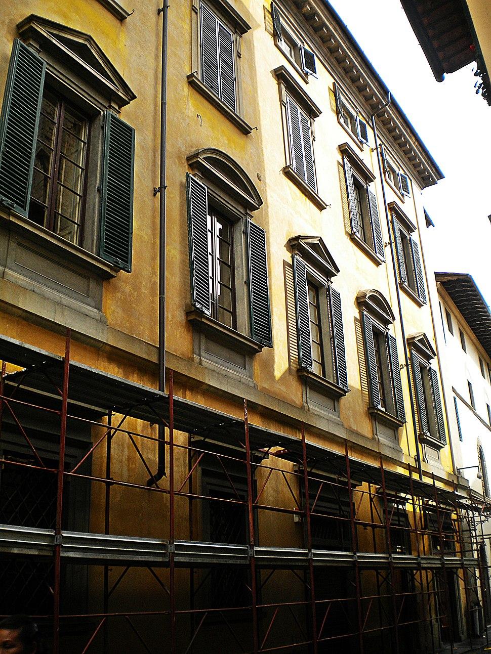 Palazzo Vai 04