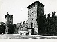 Paolo Monti - Servizio fotografico (Verona, 1982) - BEIC 6361679.jpg