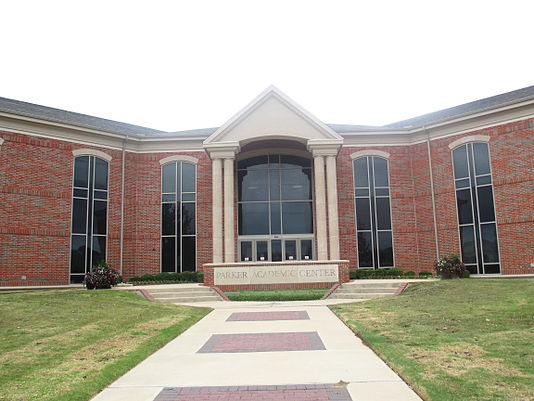 The Parker Academic Center at UMHB opened in 2002. Parker Academic Center, Belton, TX IMG 5560.JPG