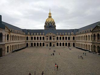 Musée de l'Armée - Image: Patio de honor del palacio de Los Inválidos, París