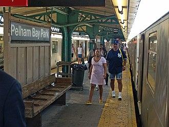 Pelham Bay Park (IRT Pelham Line) - Station platform