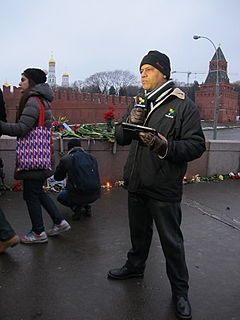 People came to the side of Boris Nemtsov's murder (2015-02-28; 06).JPG