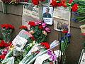 People came to the side of Boris Nemtsov's murder (2015-02-28; 42).JPG