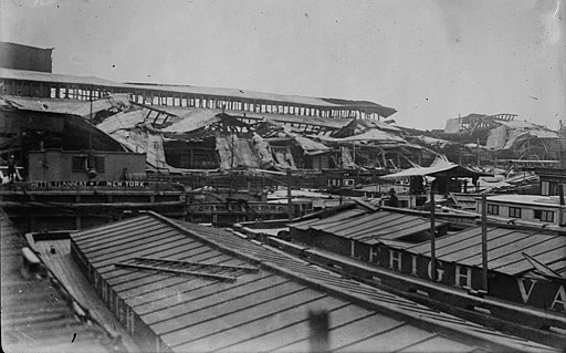 Pier, Jersey City after munitions explosion LOC 14687235026 (cropped)
