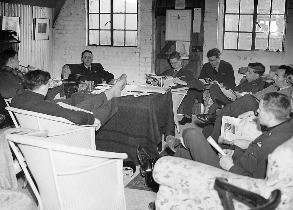 Pilots of No. 19 Squadron RAF relax in the crew room at Fowlmere, the satellite airfield to Duxford in Cambridgeshire, September 1940. CH1461
