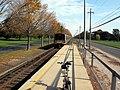 Pinelawn LIRR station platform jeh.jpg