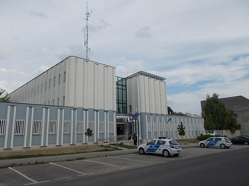 File:Police Station. - Petőfi Street, Gödöllő.JPG