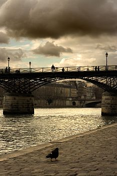 Pont des Arts, December 2005.jpg