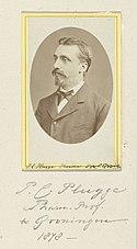 Portret van P.C. Plugge, hoogleraar in de faculteit Geneeskunde aan de universiteit van Groningen P.C. Plugge, pharm prof. te Groningen, 1878. (titel op object), RP-F-F03667.jpg
