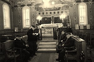 Jewish meditation - Chabad differed from mainstream Hasidism in its preparation for prayer by intellectual contemplation of Hasidic philosophy. Nonetheless, an aim of this is to reveal simplicity of soul, which all possess. The Rebbes of Chabad were envious of the sincerity of the simple folk