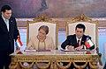 """Presidenta Bachelet- """"Chile y Paraguay van a seguir trabajando codo a codo con este mismo espíritu de fraternidad, pero también de futuro"""" (20771278351).jpg"""