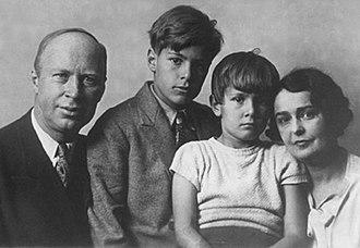 Sergei Prokofiev - Sergei with his two sons, Sviatoslav and Oleg, and his wife, Lina Prokofiev, 1936