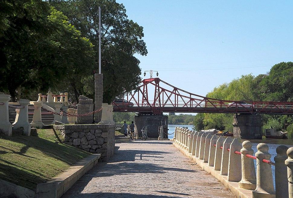 Puente giratorio Carmelo