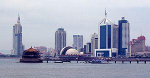 Zhan Qiao - Zhan Qiao pier in front of Qingdao's skyline, 2007