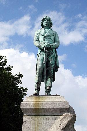 Quiberon - Statue of Lazare Hoche