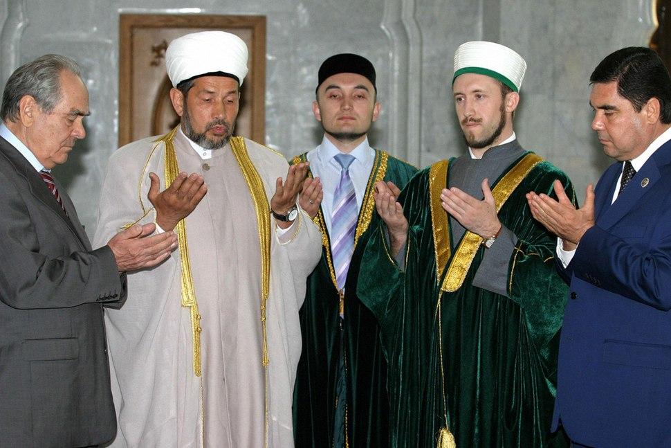 RIAN archive 320886 Turkmen President Gurbanguly Berdymukhammedov in the Kul Sharif Mosque during his visit to Tatarstan