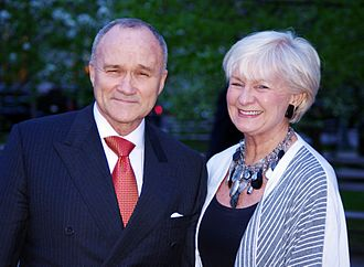 Raymond Kelly - Kelly with his wife Veronica in May 2011.