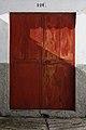 Red door (4257417463).jpg